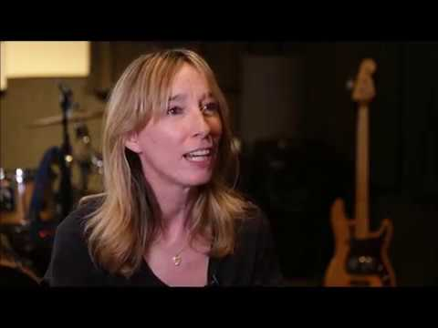 KNOW YOUR BASS PLAYER – Season 1 Cait O'Riordan Pt. 5 - Pogue Mahone The Pogues First Rehearsals