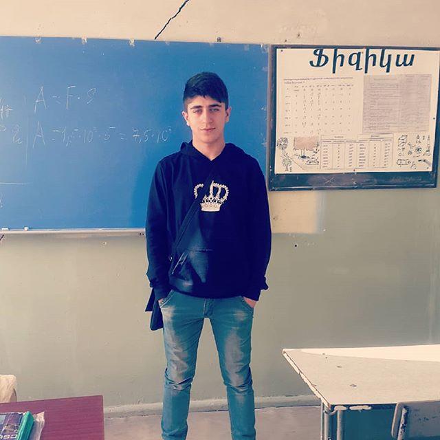 Artyom, 19, Artashat