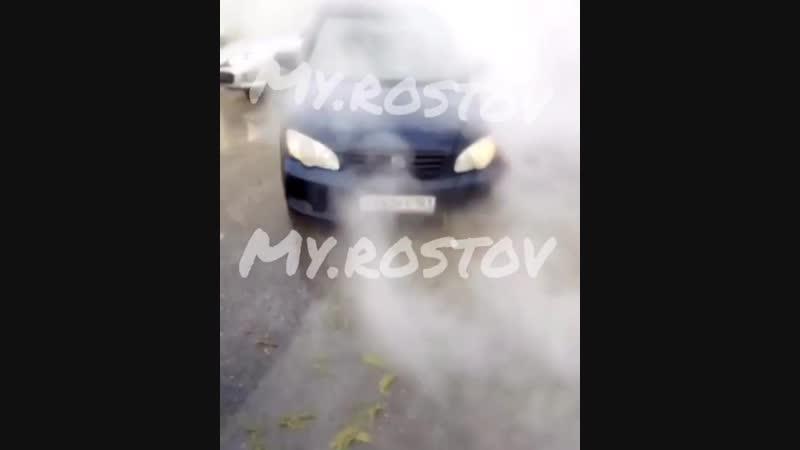 Провал асфальта в центре Ростова(январь 2019)