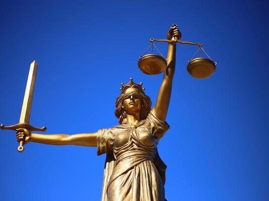 В Астрахани начался суд над экс-депутатами, обвиняемыми в 78 изнасилованиях детей.