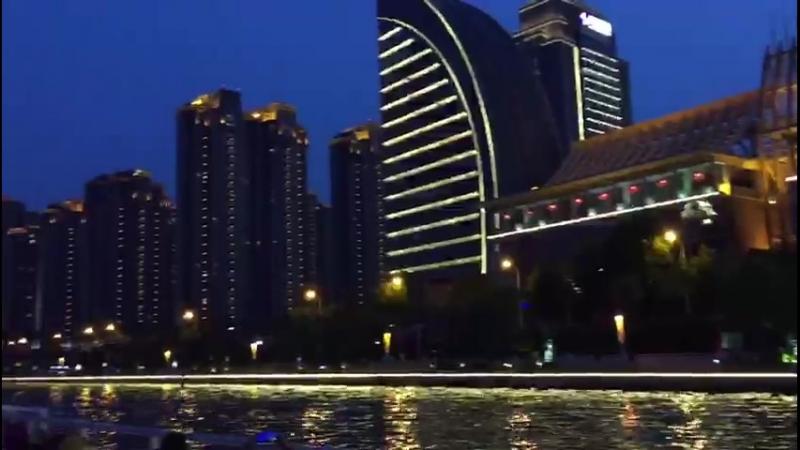 Экскурсия на кораблике в Китае