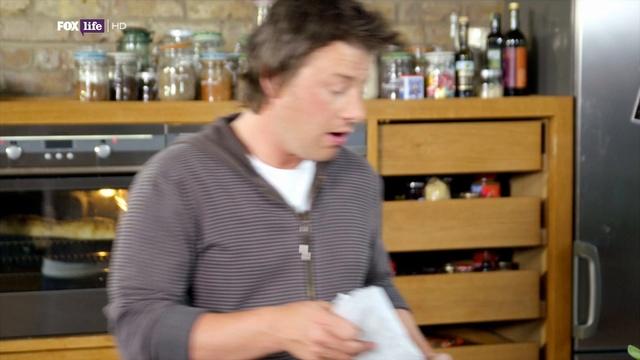 Обеды за 30 минут от Джейми 2 сезон 8 серия. Ризотто / Lunches 30 minutes from Jamie (2011)