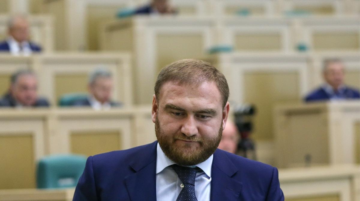 Рауфа Арашукова лишили статуса сенатора от Карачаево-Черкесии
