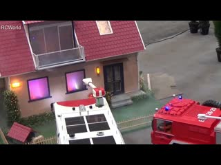Modellbaumesse leipzig 2014 ♦ einsatz feuerwehr haus brennt rc ♦ house on fire station fire engine