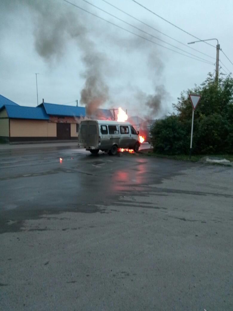 MjH6ZXk2tIw - 21:02 по местному времени поступило сообщение о пожаре в частном