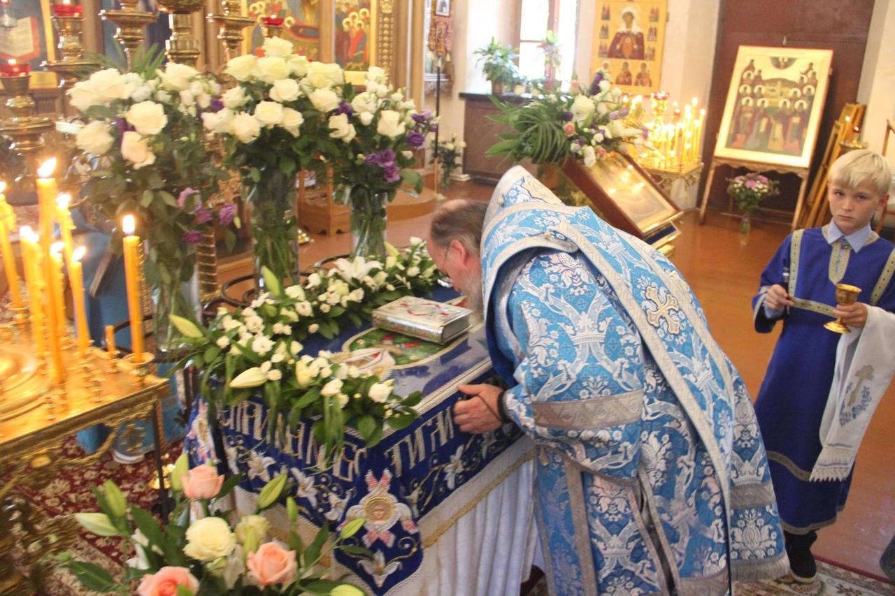 Епископ Никита Козельский в Успенском соборе Козельска