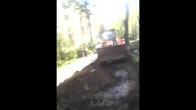 Беспредел во дворе. г.Новосибирск.
