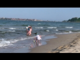 Водичку набираем из моря с Какао бич