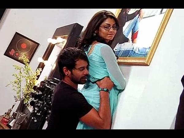 Abhi Pargya Enjoying Love Time in Their Bedroom   Kumkum Bhagya 24th March 2015 Full Episode  