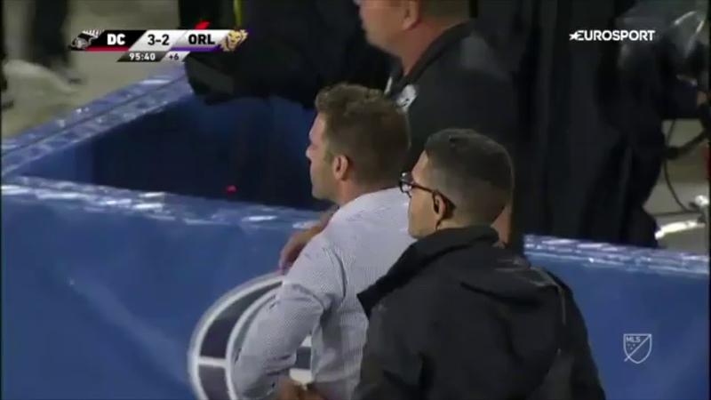 La Espectacular Recuperación De Rooney en el Gol del D.C. United