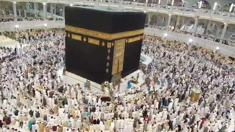 Subhanallah Emotional Beautiful Azan and Touching Hajr e Aswad Black Stone in Ma.mp4