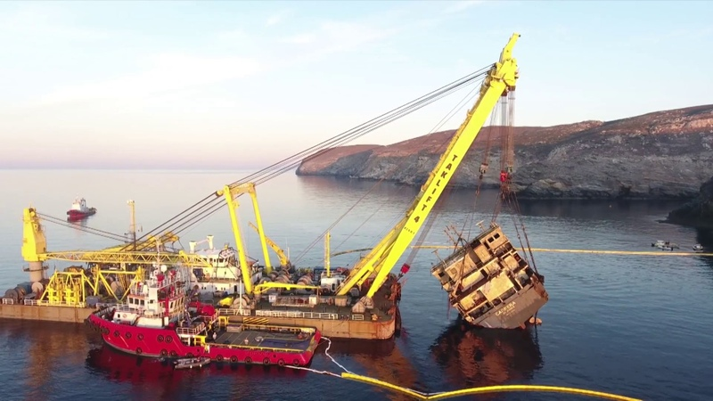 MEGATUGS - SMIT wreck removal of MV Cabrera on Andros island