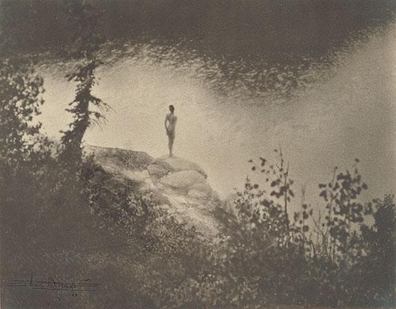 В молодости Энн Бригман (Anne Brigman) мечтала стать художницей, но, не достигнув на этом поприще больших успехов, в начале XX века взяла в руки фотоаппарат. В 1902 году ее работы заметил