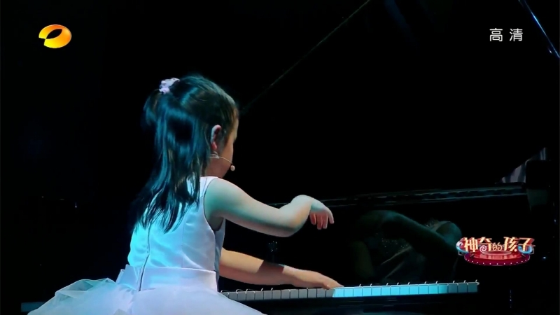 Anke Chen(陈安可)Plays Bach and Mozart at 《Amazing Kids》 EP 4