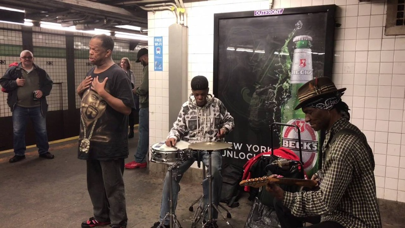 Subway Performer Mike Yung Sings to Baby - If You Dont Know Me By Now (23rd Street Viral Sensation)
