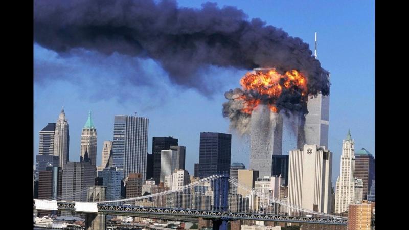 Фильм Майкла Мура (США) Fahrenheit 9-11 о 11 сентября 2001 года