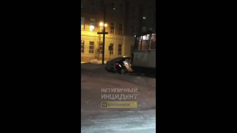 ДТП. Челябинск, ул. Машиностроителей, 22 (08.02.19)