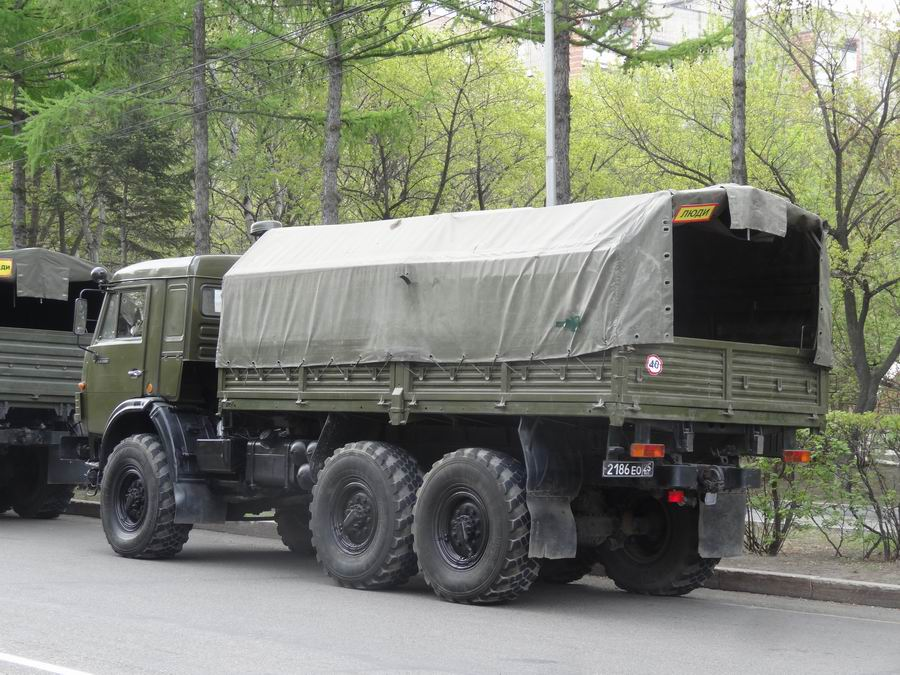 Транспорт Приморья - 9 мая 2019 года в Уссурийске баз,уаз,войнушка,грузовые автомобили,газ,зил,камаз,уралаз (уралзис),дальний восток