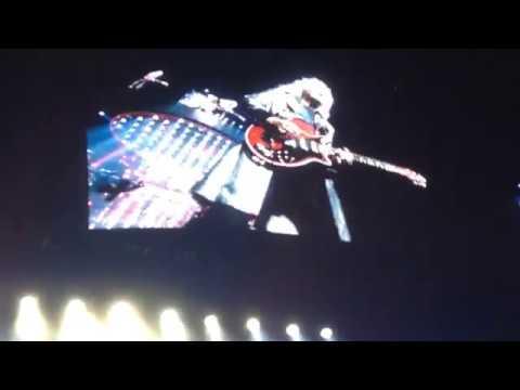 Queen Adam Lambert @ Sportpaleis (06.29.18) - Antwerp - We Will Rock You (3rd Verse)