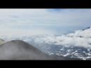Авуачинский или Кратер вулкана с фумароллами, серой и застывшей породой и панорама