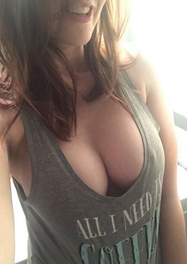 Amateur blowjob brunette cougar housewife