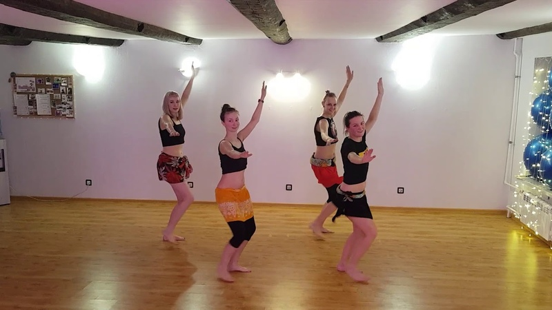 Тренируем связку от Надежды под ритм Vahine Tahiti