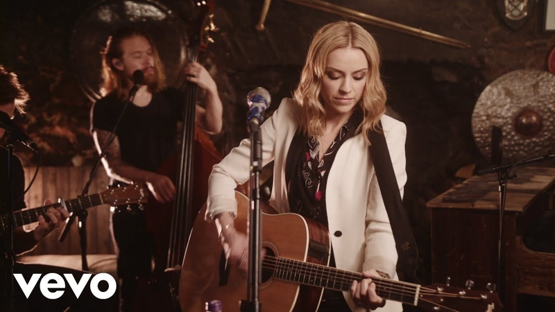 Amy Macdonald - This Is The Life (Acoustic Drovers Inn Session)