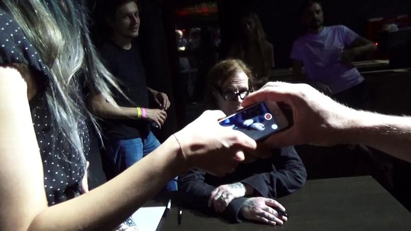 Автограф-сессия Марка Лэнегана после концерта в Космонавте