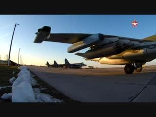 Экипажи эскадрильи штурмовиков #Су25СМ3 авиационного полка ЮВО провели учения в Краснодарском крае.