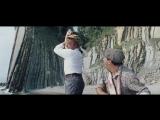 Фильм Леонида Гайдая: «Бриллиантовая рука» — советская эксцентрическая комедия.