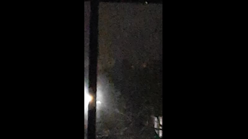 2 19 февраля в 23 15 снято в Newmarket Онтарио КАНАДА снято 2 ярких шара света в ясном ночном небе меняющих цвет размер