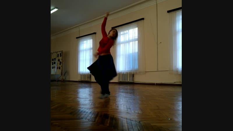Давно интересует тема движения под слова А когда это такая музыка Душа сама летит танцевать путьдуши