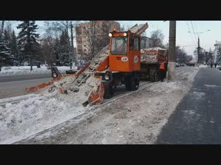 20181228_134151. В Чебоксарах с улиц города убирают снег. Чебоксары, Новочебоксарск, Чувашия, Газета, Журнал.