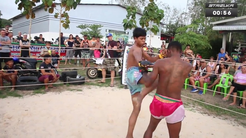 School Boy run into Gangster in Thailand MMA
