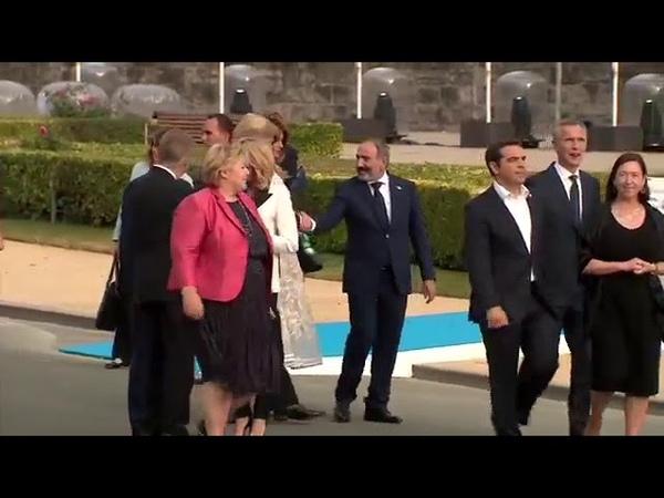 Глава Еврокомиссии Жан-Клод Юнкер на саммите НАТО в Брюсселе пьяный