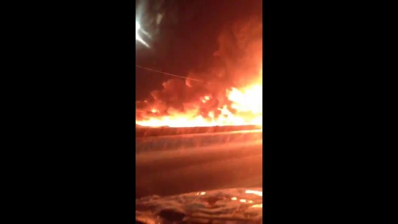 Крупный пожар на заправке Роснефти на Ярославском шоссе в Подмосковье