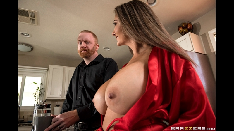 Brazzers mommy_Getting Her Beauty Peep Ava Addams Xander Corvus_MGB Mommy Got Boobs August 16, 2018