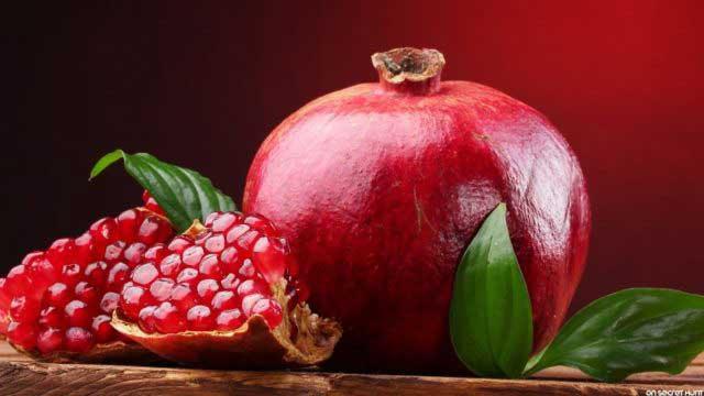 метаболит, полученный из соединения, найденного в ягодах и гранатах, может уменьшить и защитить от воспалительного заболевания кишечника
