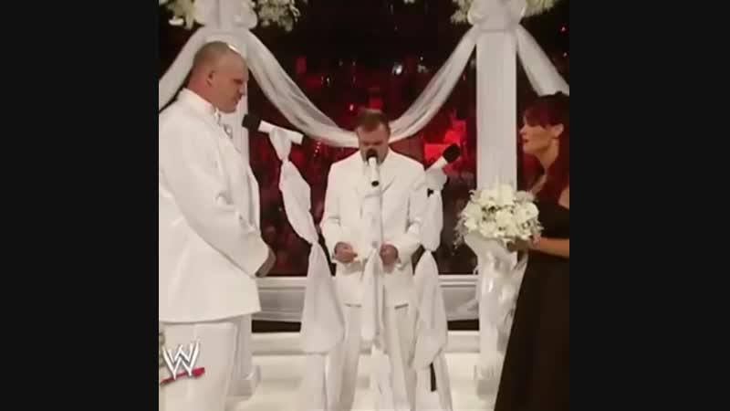 |WM| Триш Стратус пришла на свадьбе к Лите и Кейну