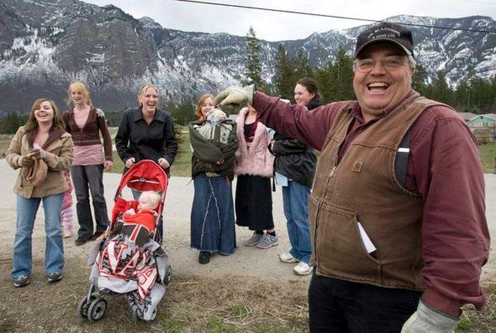 Суд вынес наказание канадцу за 24 жены и 149 детей