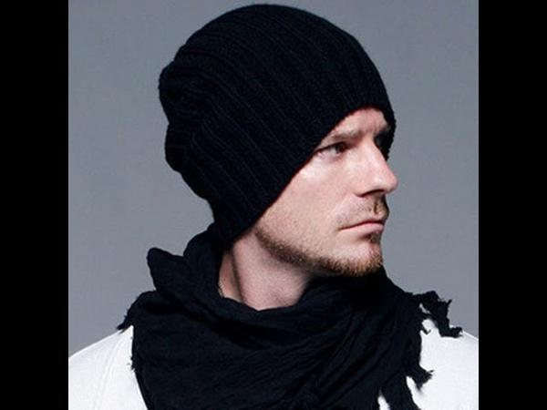 Вязаная модная шапка спицами-подробный мастер класс.Шапка Бекхэма.Простая,мужская шапка.