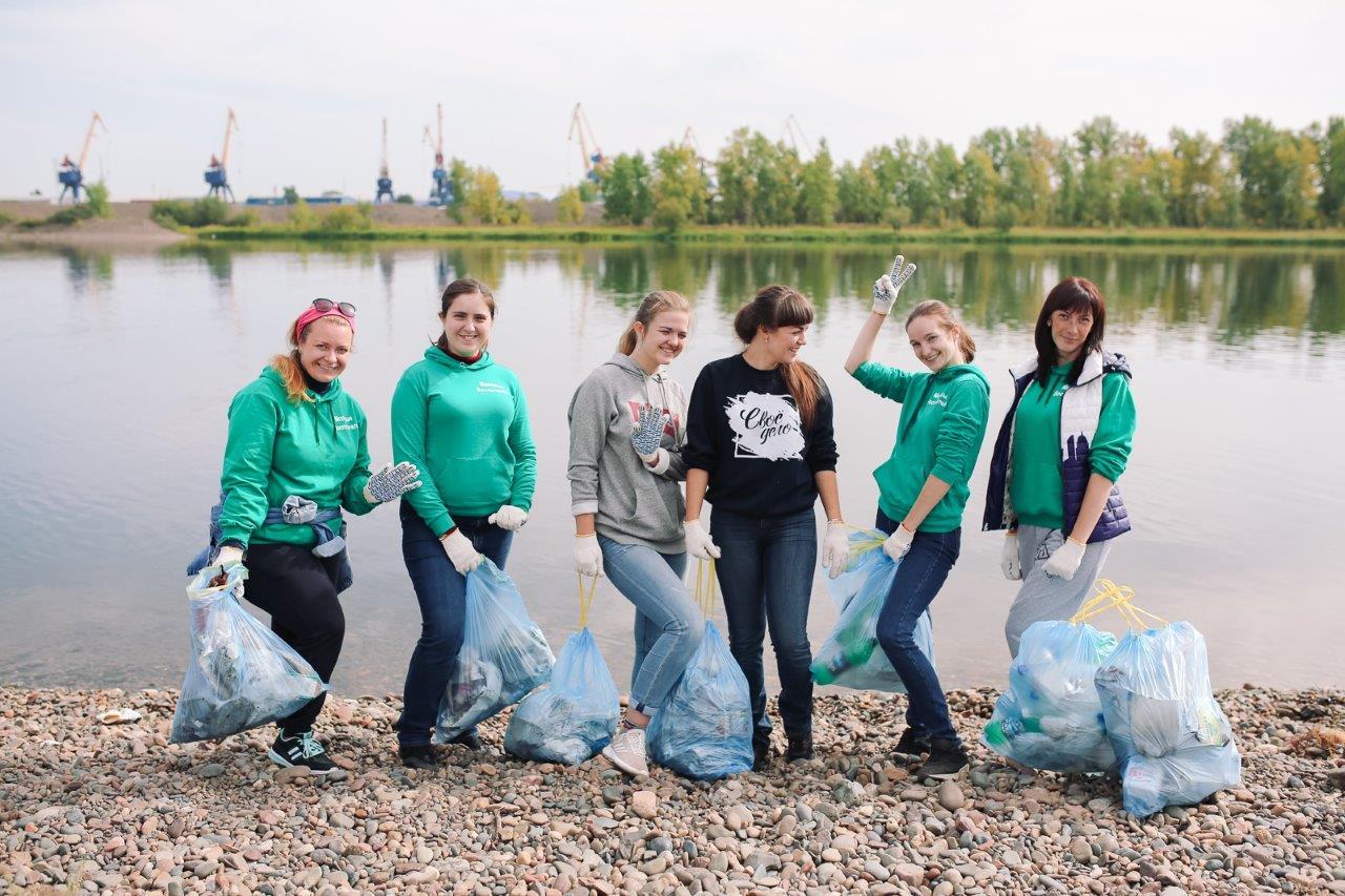 Волонтеры Дня Енисея собрали с берега реки 1267 мешков мусора