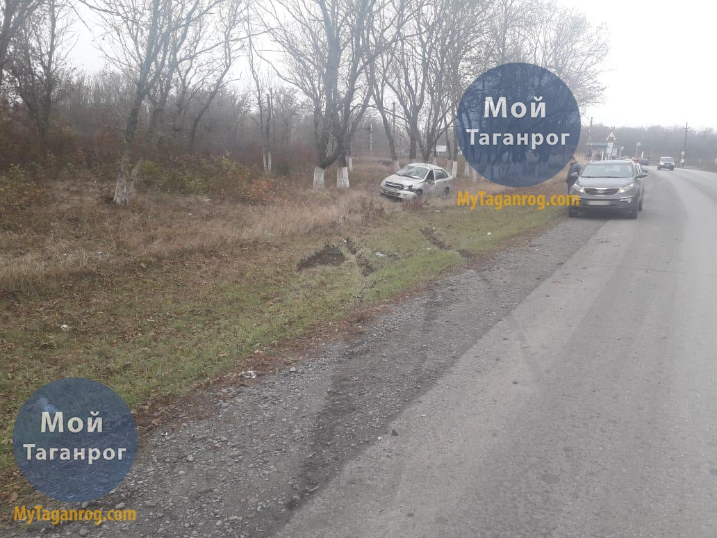 Под Таганрогом в результате опрокидывания пострадала 24-летняя автоледи на «Ладе Гранте»