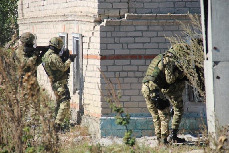 На территории Усть-Джегутинского и Прикубанского районов спецназовцы «уничтожили» террористов