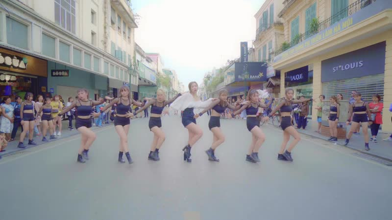 KPOP IN PUBLIC Jennie 'SOLO' DANCE COVER from Vietnam