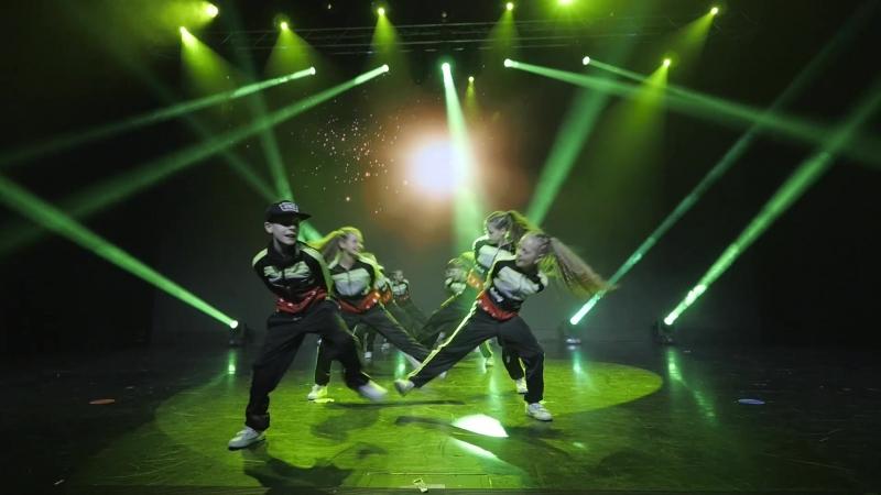 Kids Team Locking Преподаватель Юлия Коробейникова школа танцев Evolvers Красноярск