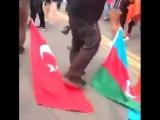 Армяне носят на земле на улице и рвут флаг Азербайджана и Турции. Азербайджан Azerbaijan Azerbaycan БАКУ BAKU BAKI Карабах 2018