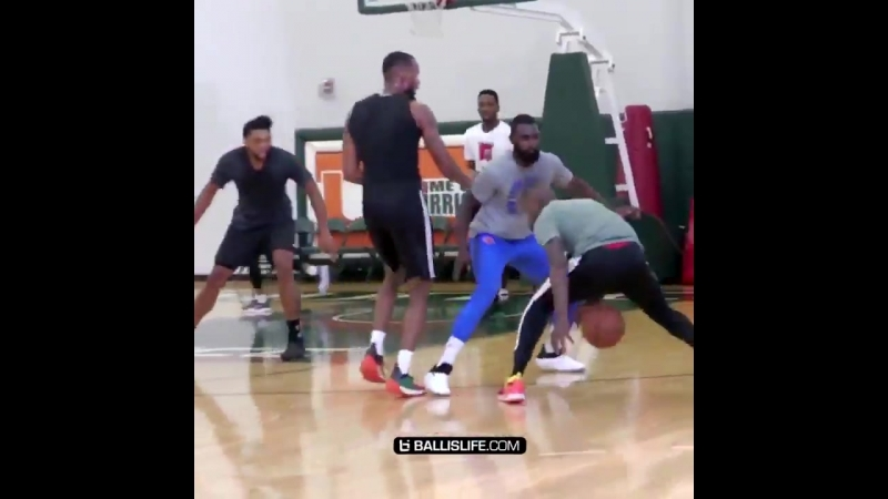 Scary Terry x @KyrieIrving Scariest Back Court in the East @T_Rozzay3 @RemyTraining23