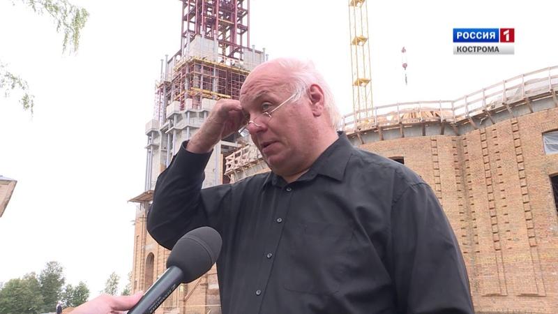 Реставраторы Костромского кремля закончили возводить каркас его колокольни