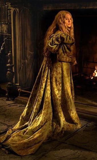 Тайны костюмера «Багрового пика» Кейт Хоули. Часть 1 Работая над «Багровым пиком», у меня было полное ощущение, что я делаю костюмы для оперы, потому что его визуальный язык, то как он